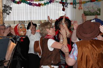 Foto zur Meldung: Lustige Narren und musikalisches Gefecht
