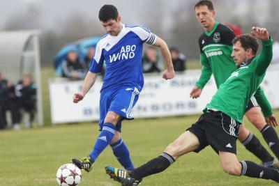 Foto zu Meldung: Landesliga: FC Vorwärts Röslau - ASV Veitsbronn-Siegelsdorf 4:0 (2:0)