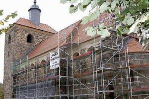 Die Feldsteinkirche wird Baustelle.  Foto: Carmen Berg