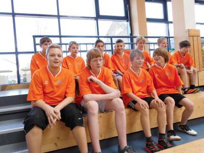 Foto zur Meldung: 8.Platz unserer Mannschaft beim Regionalfinale Zweifelderball am 26.03.2014 in Liebenwalde