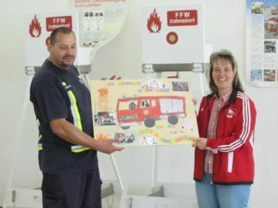Foto zur Meldung: Erlebnistag der KITA bei der Feuerwehr Dahnsdorf