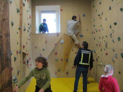 Vorschaubild zur Meldung: Ausflug zur Kletteranlage Wiesenburg