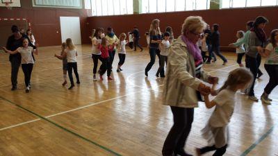 Foto zur Meldung: Tag der offenen Tür bei der AG Tanz
