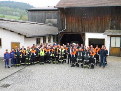 Foto zur Meldung: Traditionelle 1. Mai Übung der vier Feuerwehren der Gemeinde