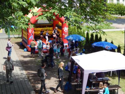 Foto zur Meldung: Abwechslungsreiches Programm für Jung und Alt beim Familienfest