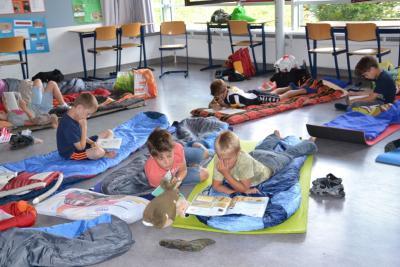 Foto zur Meldung: Lesenacht der Klassen 2a und 2b