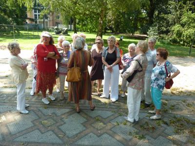 Foto zur Meldung: Ausflug des Johanneshauses ins neue Düsseldorfer Stadtzentrum