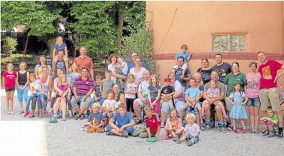 Foto zur Meldung: Freundeskreis der Kinder von Burgschwalbach e.V.: Burgfräulein erobern Waldmannshausen