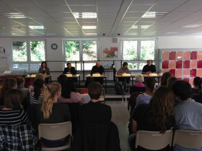 Foto zur Meldung: Schüler diskutierten mit Wahlkreiskandidaten
