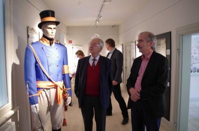 Foto zu Meldung: Altministerpräsident und Kultur-Staatssekretär zu Besuch im Wegemuseum
