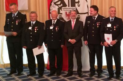 Foto zur Meldung: Hohe Ehrung für Müschener Ortswehrführer Manfred Pank