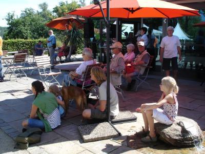 Vorschaubild zur Meldung: Burghof-Café der Landfrauen - IMMER WIEDER SONNTAGS.....