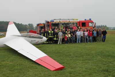 Foto zur Meldung: Feuerwehrleute gehen in die Luft