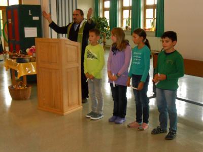 Foto zur Meldung: Erntedank in der Grundschule