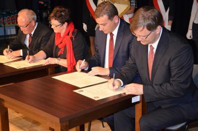 Foto zur Meldung: Absichtserklärung zur Städtepartnerschaft mit Przytoczna (ehem. Prittisch/ Neumark) unterzeichnet