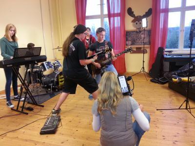 Foto zu Meldung: Rock Reset vor der Kamera