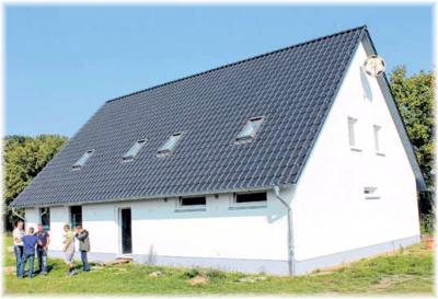 Foto zur Meldung: Neukalen weiht neues Vereinshaus ein