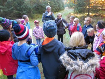 Foto zur Meldung: Eine Schulstunde im Wald