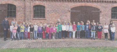 Foto zu Meldung: Evakuierungsübung an der Grundschule Balow