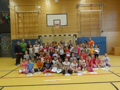 Foto zur Meldung: Mädchenhandballtag an der Grundschule `In der Steinbreite`