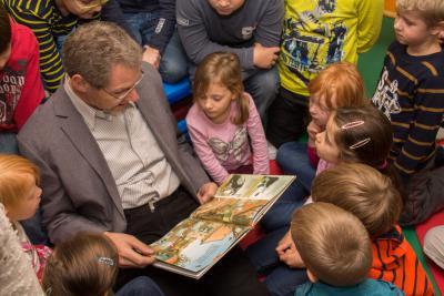 Foto zur Meldung: SpatzenHaus Neukalen macht mit beim 11. Bundesweiten Vorlesetag