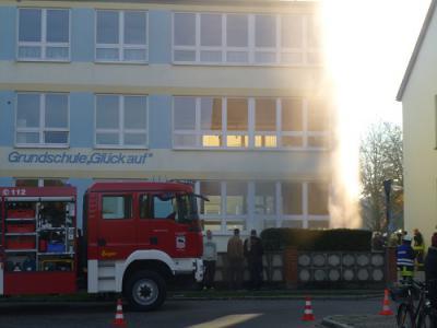 """Foto zur Meldung: Feuerwehrübung in der Grundschule """"Glück auf"""""""