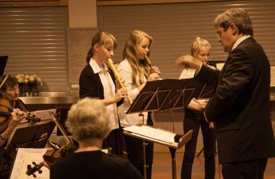 Foto zu Meldung: Musikschüler gestalten Adventszeit auf vielfältige Weise mit