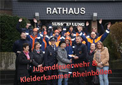 Foto zur Meldung: Jugendfeuerwehr Rheinböllen erhält Spende