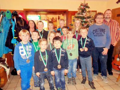 Foto zur Meldung: Gelungene Weihnachtsfeier bei der SV-Jugend
