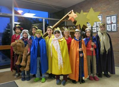 Foto zur Meldung: Sternsinger segnen unsere Schule