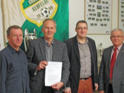 Foto zur Meldung: Grün-Weiss übernimmt den Sportplatz