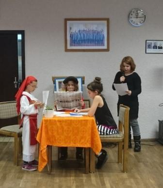 Foto zur Meldung: Auftritt unserer Theater - Gruppe