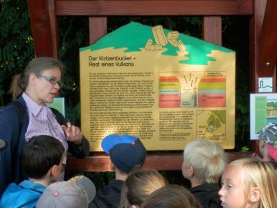 Vorschaubild zur Meldung: Exkursion zum erloschenen Vulkan