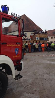 Foto zu Meldung: Absicherung des Vierkirchner Faschingsumzuges 2015