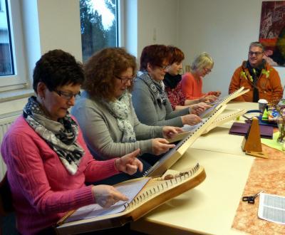 Foto zu Meldung: Neu! - Veeh-Harfen-Gruppe