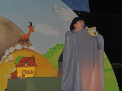 Vorschaubild zur Meldung: Puppentheaterspiel - März 2015