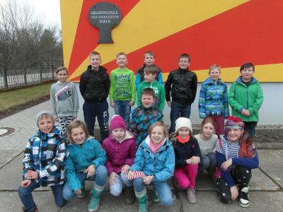 Foto zur Meldung: Grundschüler beim Landkreispokalwettkampf im Zweifelderball