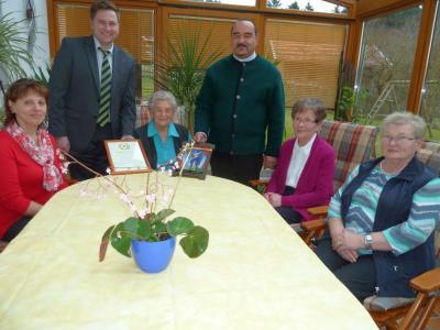 Foto zu Meldung: Zum 90. Geburtstag von Amalie Miethaner