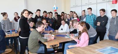 Foto zur Meldung: EU-Bildungsprogramm: Dem Handy auf der Spur
