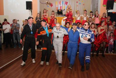 "Foto zu Meldung: 12 Lehniner Floßfeste - letzte Floßfestparty fand am 21.2.2015 im ""Klosterhof"" statt –"