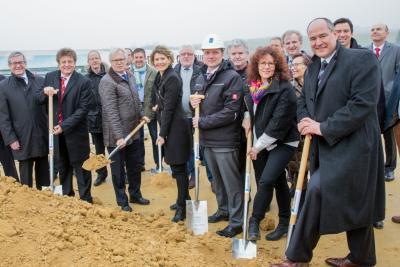 Foto zu Meldung: Wirtschaftsministerin Lemke bei Spatenstich für neues Norma-Zentrallager