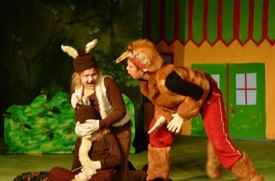 """Vorschaubild zur Meldung: Osterhasenschule im Holzhaustheater -  Sonntagsmärchen: """"Der kleine  Angsthase"""" am 29. März"""