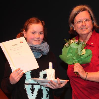 Foto zur Meldung: Undinepreis der Stadt Brandenburg für Alea Bildt, Klasse 5L