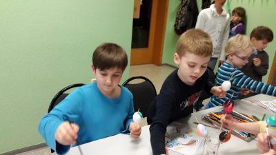 Foto zur Meldung: Osterbasteln bei der Kinderfeuerwehr