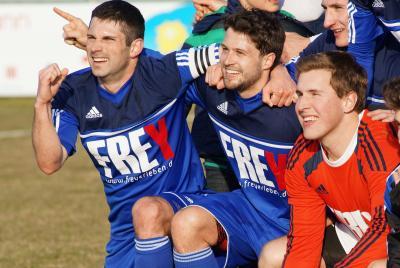 Foto zu Meldung: Landesliga: FC Vorwärts Röslau - ASV Pegnitz 4:0 (2:0)