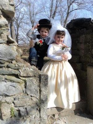 Foto zur Meldung: Hochzeit in der Hasengruppe
