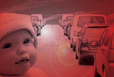 Foto zur Meldung: Baby in Not - und die Autofahrer schauen weg