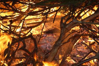 Vorschaubild zur Meldung: Osterfeuer 2015