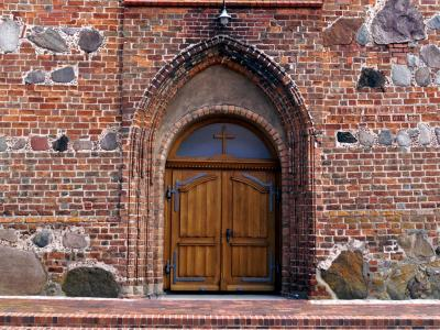 Foto zur Meldung: Die neue Kirchentür der Johanneskirche Neukalen
