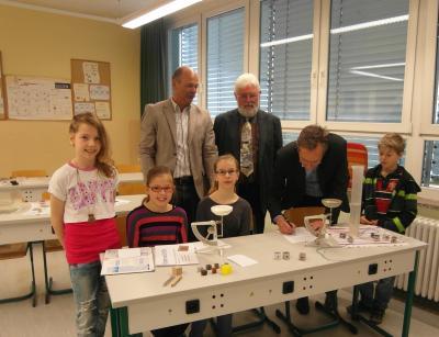 """Foto zur Meldung: Kooperationsvertrag Grundschule """"Am Waldrand"""" und PCK"""